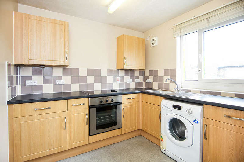 1 Bedroom Flat for sale in Drummond Castle Court Odessa Road, London, E7