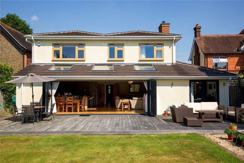 5 Bedrooms Detached House for sale in Wimblehurst Road, Horsham, West Sussex, RH12