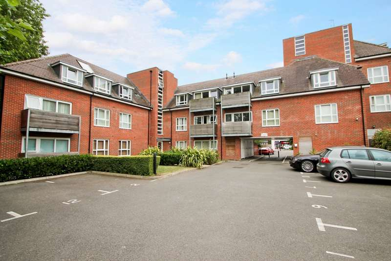 2 Bedrooms Flat for sale in George Court, Church Road, Ashford, TW15