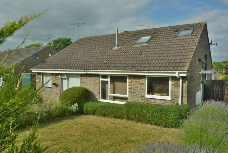3 Bedrooms Semi Detached House for sale in MERLEY, WIMBORNE