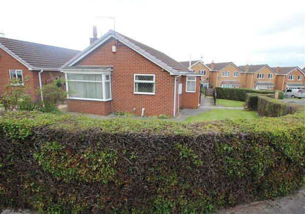 2 Bedrooms Bungalow for sale in Greenwood Avenue, Upton