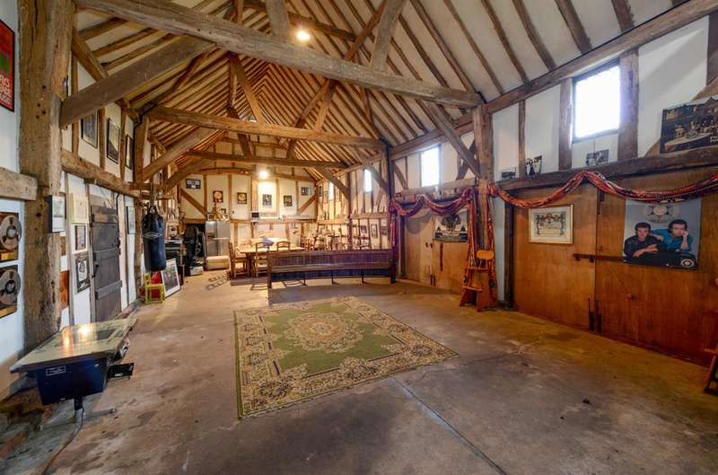 7 Bedrooms Commercial Property for sale in Cranleigh
