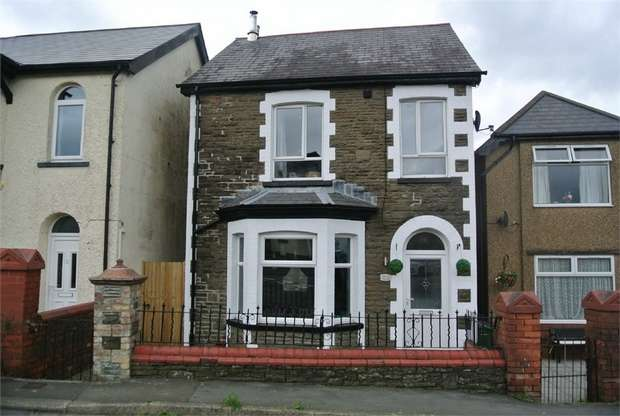 3 Bedrooms Detached House for sale in Waterloo Road, Talywain, PONTYPOOL, Torfaen