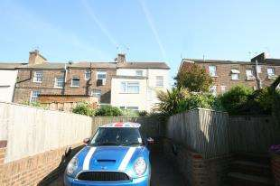 4 Bedrooms End Of Terrace House for sale in Church Street, Old Town, Eastbourne, East Sussex