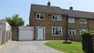3 Bedrooms End Of Terrace House for sale in Delabole Road, Merstham, Redhill, Surrey