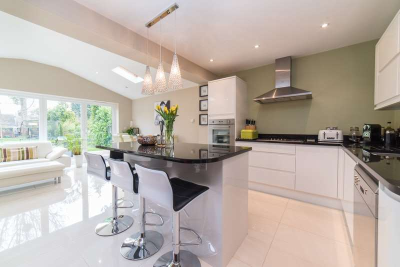 3 Bedrooms Semi Detached House for sale in Rogers Lane, Stoke Poges, Slough, Buckinghamshire, SL2