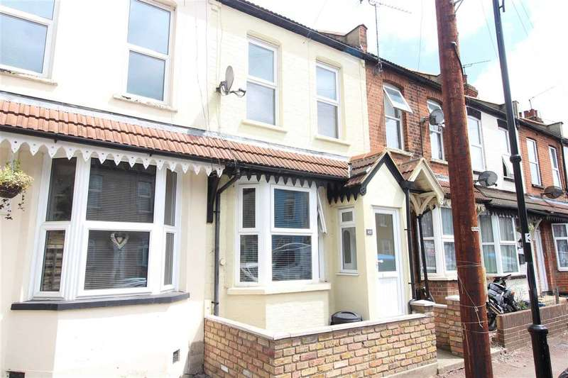 2 Bedrooms Terraced House for sale in Station Avenue, Southend on Sea