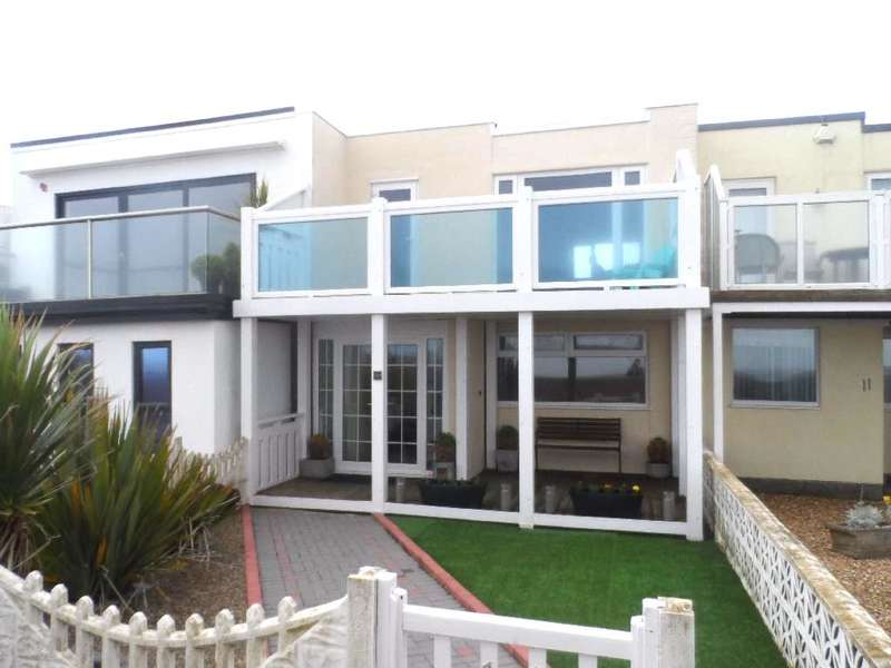 2 Bedrooms Terraced House for sale in Rossall Promenade, Cleveleys, FY5 1LP