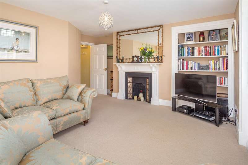 2 Bedrooms Flat for sale in St. Peters Grove, York, YO30
