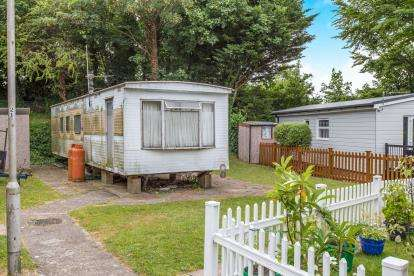 2 Bedrooms Mobile Home for sale in Cosham, Portsmouth, Hampshire