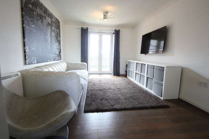 2 Bedrooms Flat for sale in Rawlyn Close, Chafford Hundred