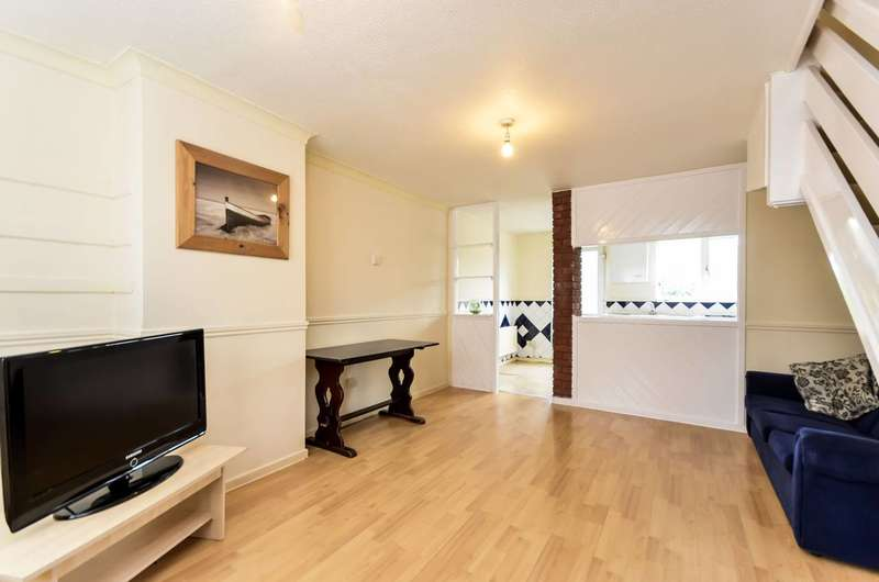 2 Bedrooms House for sale in Clayton Close, Beckton, E6