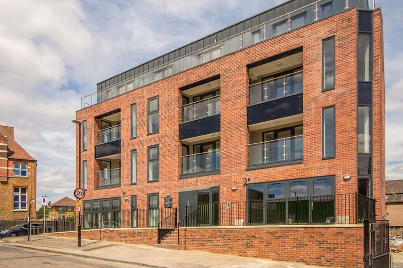 2 Bedrooms Penthouse Flat for sale in Atar House, South Bermondsey, SE16