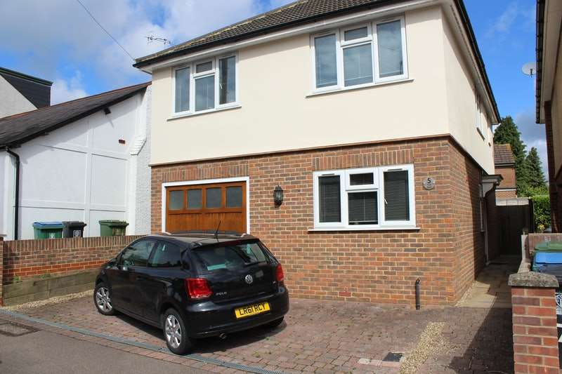 3 Bedrooms Detached House for sale in Field Road, Watford, Hertfordshire, WD19