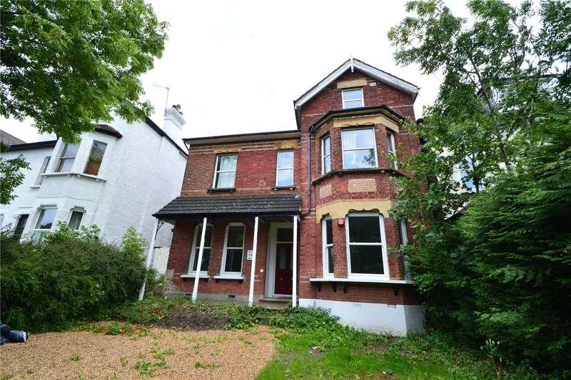2 Bedrooms Apartment Flat for sale in Birdhurst Rise, South Croydon