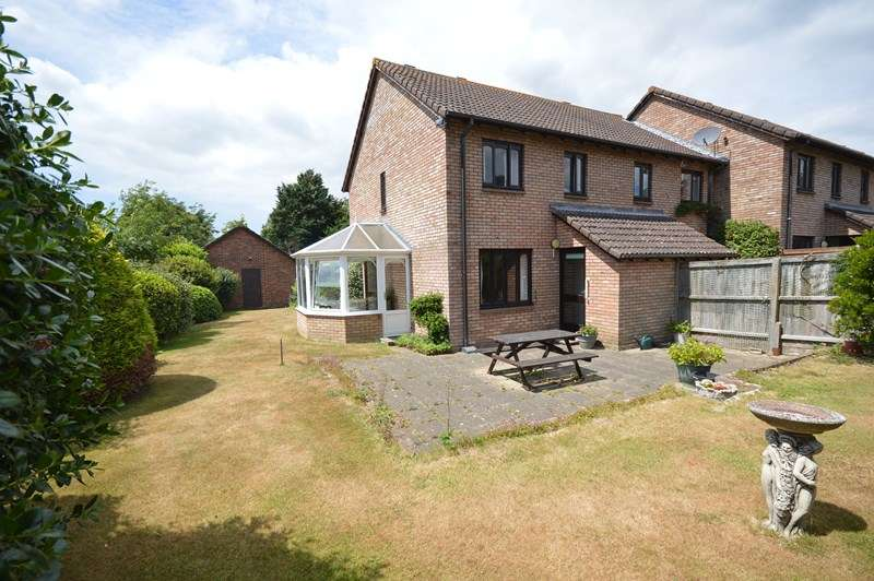 3 Bedrooms End Of Terrace House for sale in Bramble Walk, Lymington