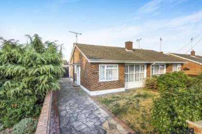 2 Bedrooms Bungalow for sale in BenfLeet, Essex, Uk