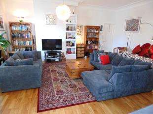 2 Bedrooms Flat for sale in Cowper Road, Worthing, West Sussex, England