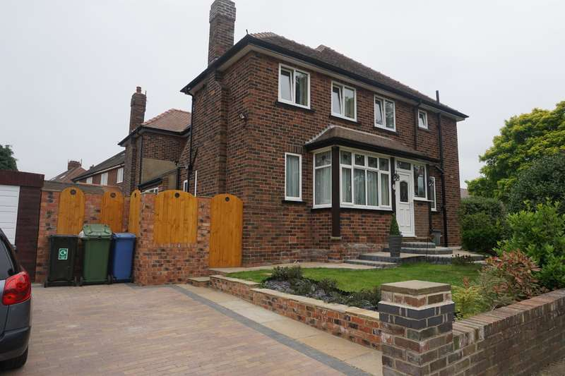 3 Bedrooms Semi Detached House for sale in Givendale Road, Scarborough, YO12 6LE