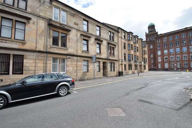 1 Bedroom Flat for sale in Kilnside Road 2/3, Paisley, PA1