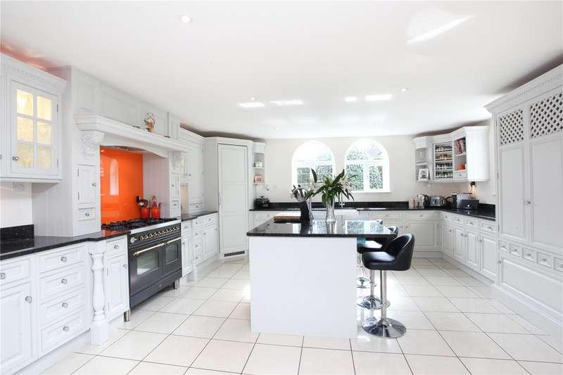 5 Bedrooms Detached House for sale in Dartnell Avenue, West Byfleet, Surrey, KT14