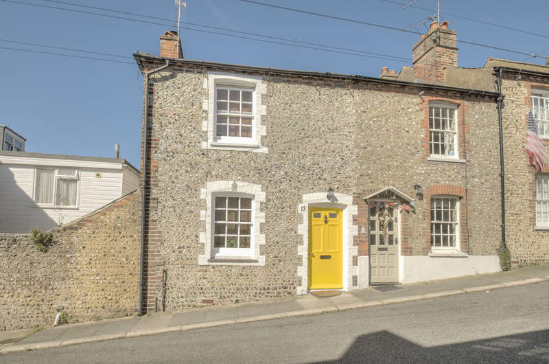 2 Bedrooms Cottage House for sale in Orchard Place, Arundel