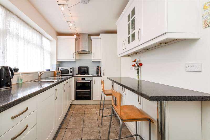 2 Bedrooms Apartment Flat for sale in Cornwall House, Cornwall Road, Uxbridge, Middlesex, UB8