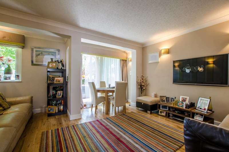 3 Bedrooms Maisonette Flat for sale in Slippers Place, Bermondsey, SE16