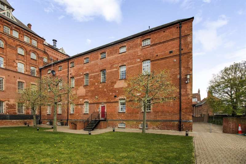 2 Bedrooms Apartment Flat for sale in The Brewhouse, Castle Brewery, Newark