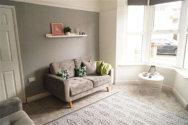 2 Bedrooms End Of Terrace House for sale in Heath Street, Eastville, Bristol
