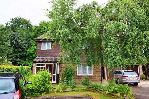 4 Bedrooms Detached House for sale in Parkside, Ecton Brook, NORTHAMPTON