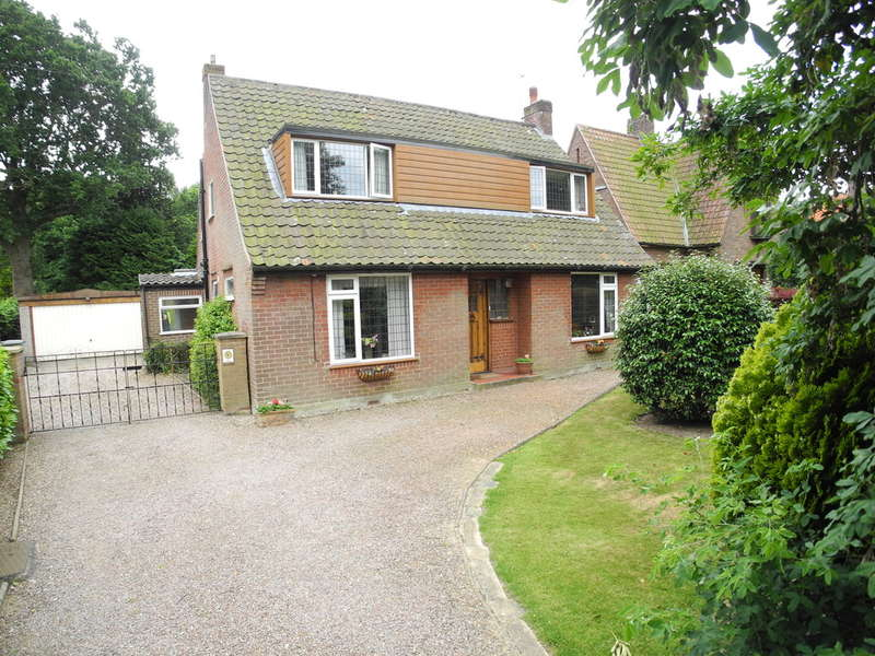 3 Bedrooms Chalet House for sale in Woodland Drive, Thorpe End