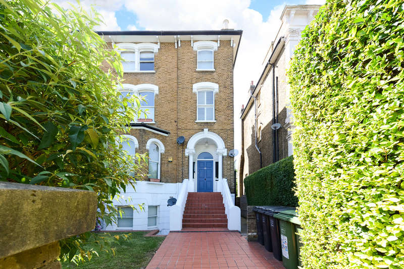 1 Bedroom Flat for sale in Wickham Road | London | SE4 1NZ