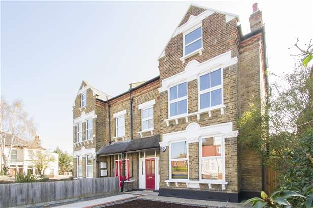 2 Bedrooms Flat for sale in Hurstbourne Road, Forest Hill