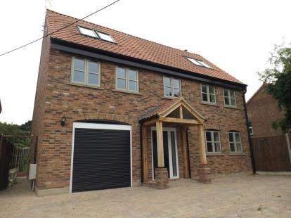 4 Bedrooms Detached House for sale in Roughton, Norwich, Norfolk