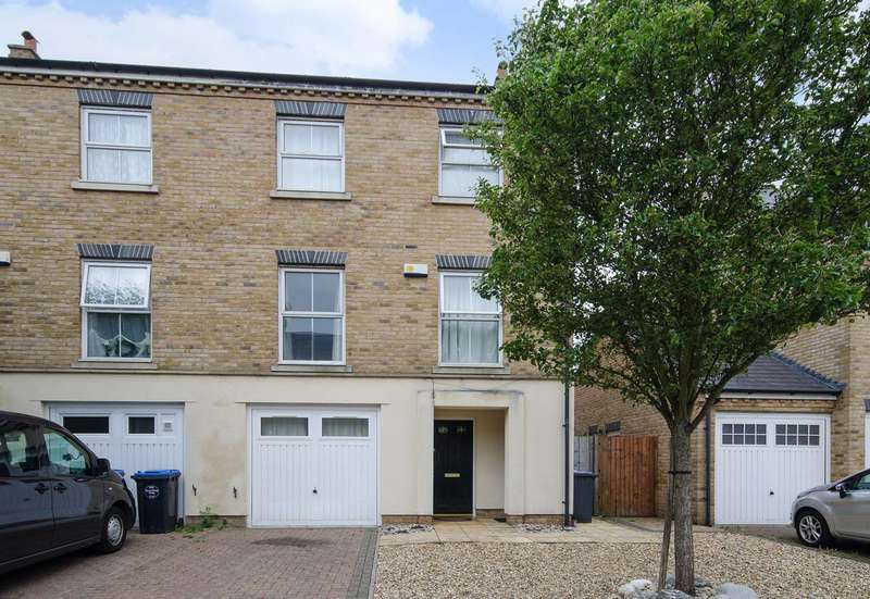 4 Bedrooms Semi Detached House for sale in Compton Avenue, North Wembley, HA0