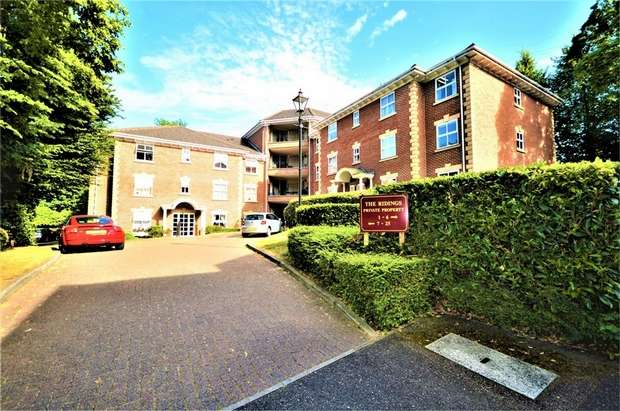 2 Bedrooms Flat for sale in Malcolm Way, Wanstead, LONDON