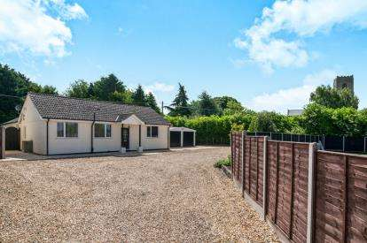 4 Bedrooms Bungalow for sale in Carbrooke, ., Norfolk
