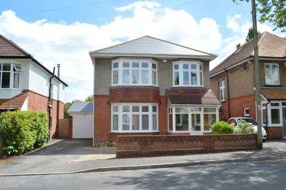 6 Bedrooms Detached House for sale in Talbot Park, Bournemouth, Dorset