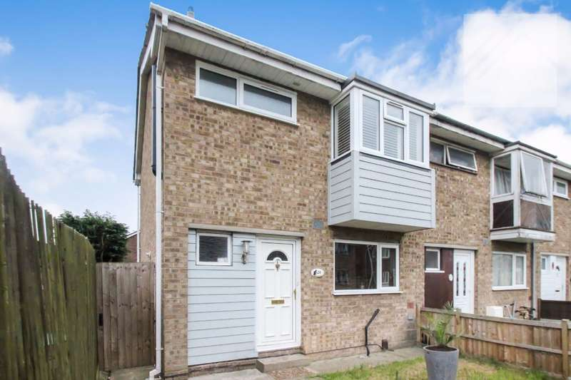 3 Bedrooms Semi Detached House for sale in Castle Walk, Canvey Island - PUT THIS AT THE TOP OF YOUR LIST, YOU WONT REGRET IT.
