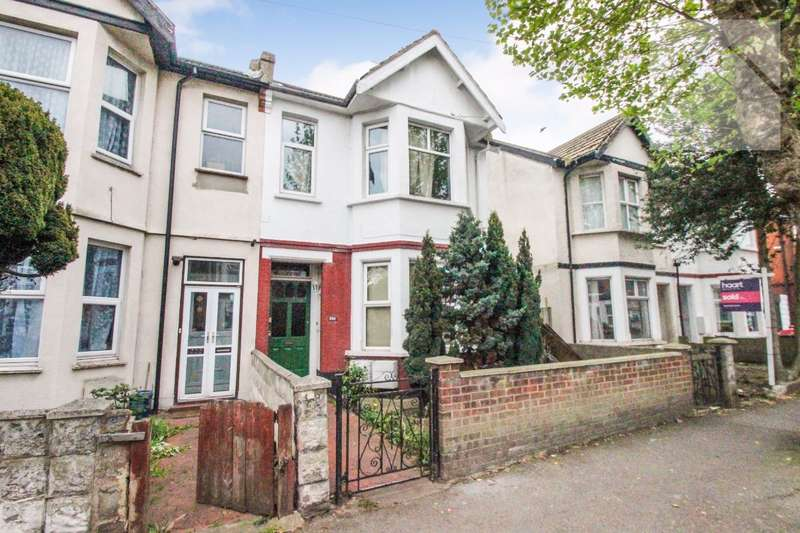 2 Bedrooms Flat for sale in Hamlet Court Road, Westcliff On Sea - LONG LEASE
