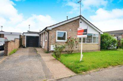 3 Bedrooms Bungalow for sale in Farndale Road, Sutton-In-Ashfield, Nottinghamshire, Notts