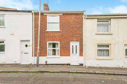 2 Bedrooms Terraced House for sale in Mill Street, Aylesbury, Buckinghamshire