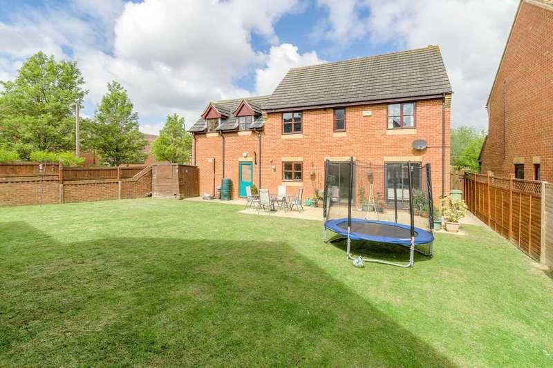 5 Bedrooms Detached House for sale in Leonards Lee, Westcroft