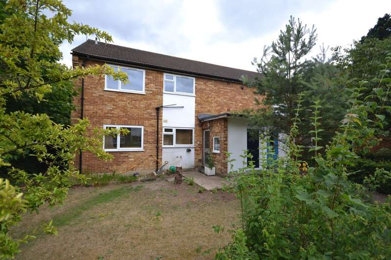 2 Bedrooms Maisonette Flat for sale in Weybridge