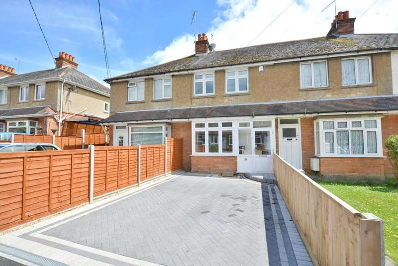 2 Bedrooms Terraced House for sale in Benmoor Rd, Poole