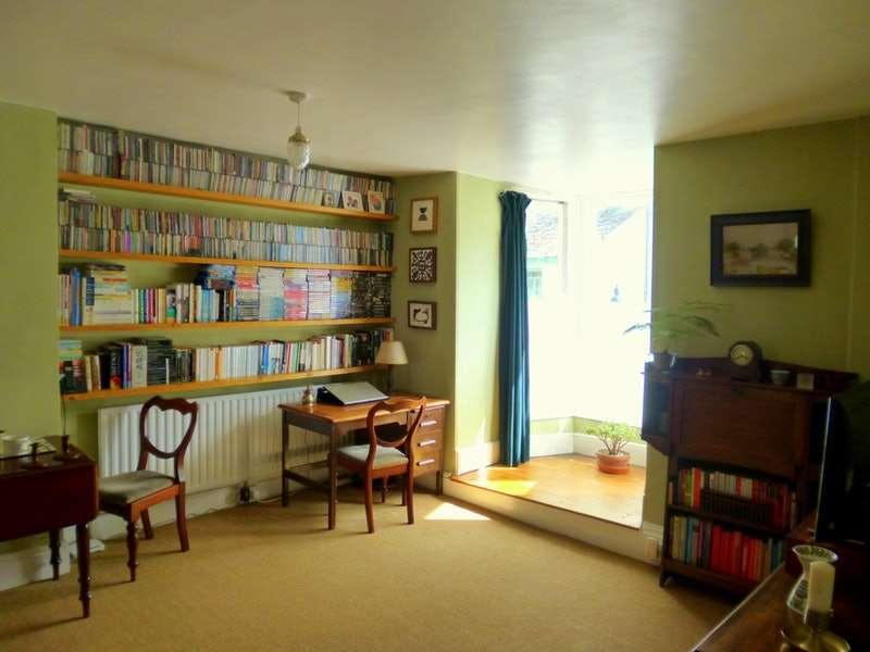 1 Bedroom Flat for sale in Fore Street, Buckfastleigh, Devon, TQ11