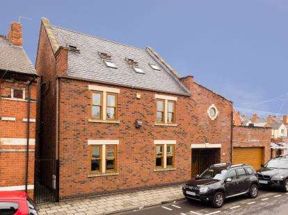 4 Bedrooms Detached House for sale in King Edward Street, Hucknall, Nottingham