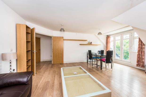 3 Bedrooms Flat for sale in 152 Cambridge Road, Kingston Upon Thames, Surrey