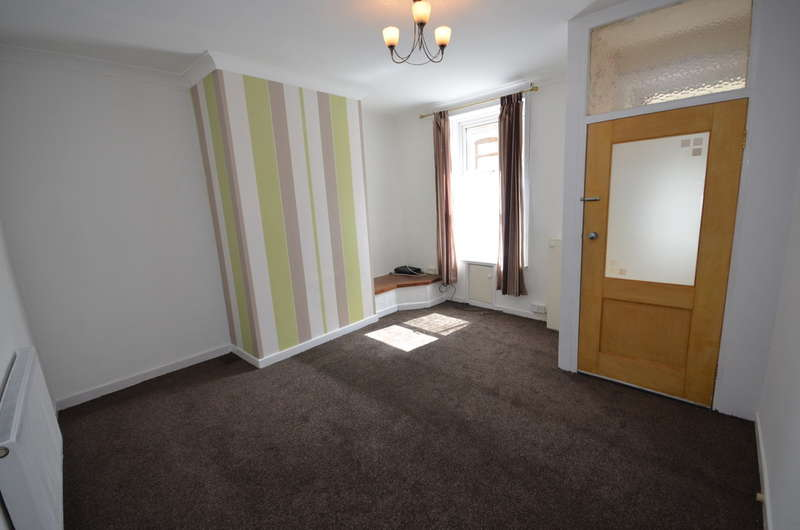 2 Bedrooms Terraced House for sale in Preston Street, Darwen